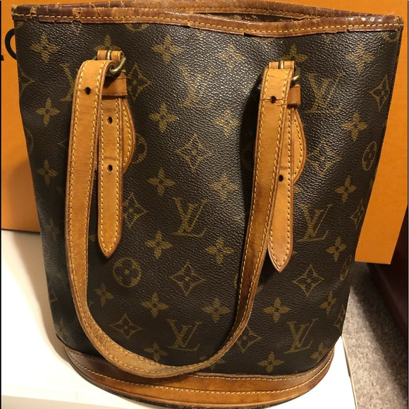 Louis Vuitton Handbags - 💥Authentic LV Bucket PM Bag